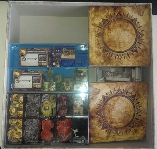 Das mit Conradboxen sortierte Spielmaterial in der Box