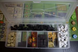 Aufbewahrungsbox mit Spielmaterial