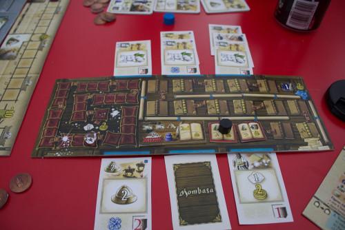 Spielertableau. Links die Diamantenleiste, rechts die Buchleiste.